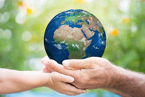 Glavni poudarek ob letošnjem dnevu Zemlje: prenehajmo si onesnaževati okolje s plastiko