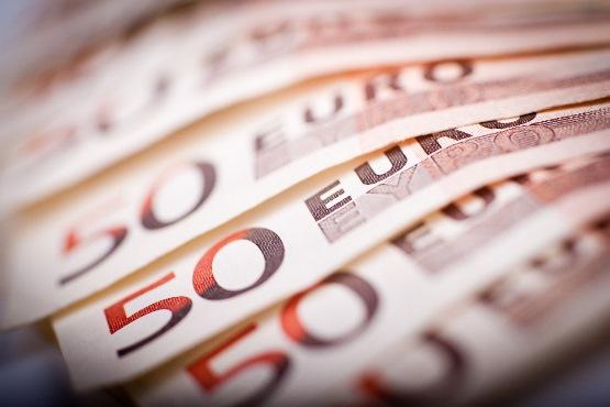 Povprečna bruto plača za julij 2019 za 1,1 % višja od bruto plače za prejšnji mesec