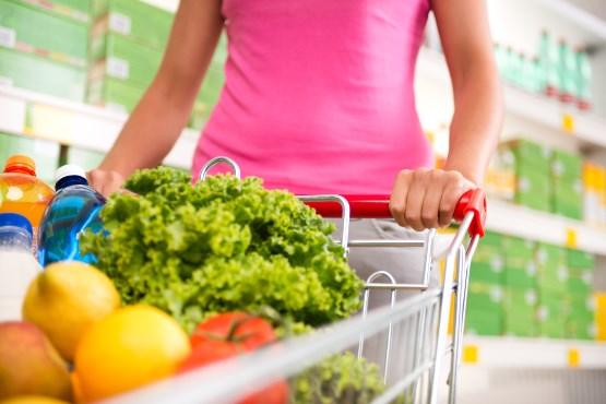 Cene v novembru 2020 na letni in mesečni ravni nižje (za 0,9 oz. 0,8 %)