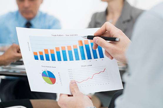 Obseg prodaje v storitvenih dejavnostih in trgovini marca 2020 zaradi epidemije izrazito manjši