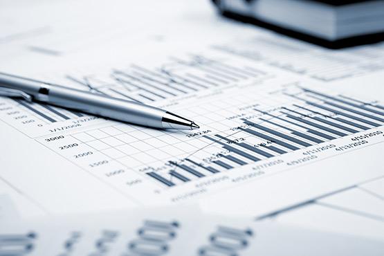 Menjava s tujino v 1. četrtletju 2020 nižja, investicije podjetij nižje, varčevanje gospodinjstev višje