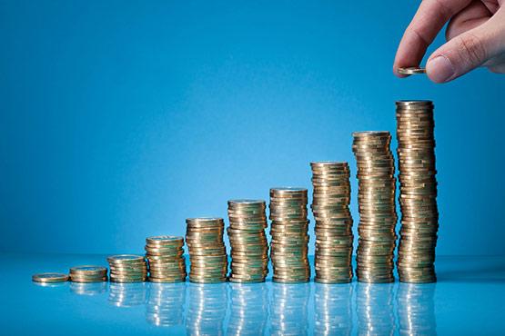 Povprečna bruto plača za januar 2018 za 3,7 % nižja od plače za december 2017