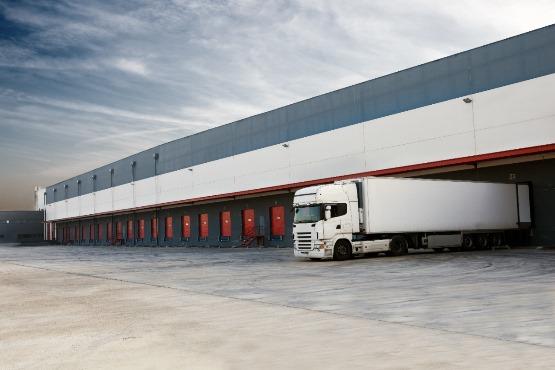 Investicije v prometu in skladiščenju predstavljale 5 % čistih prihodkov od prodaje