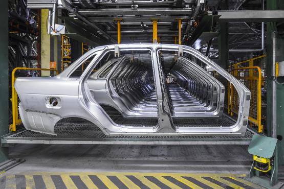 Confidence in manufacturing and retail trade higher than in the previous month