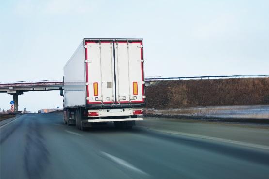 Slovenska tovorna vozila prepeljala v 3. četrtletju 2020 za 5 % več blaga kot v 3. četrtletju 2019