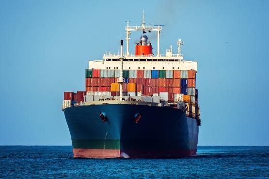 V slovenskih pristaniščih v juliju 2020 za 39 % manj ladij kot v juliju 2019