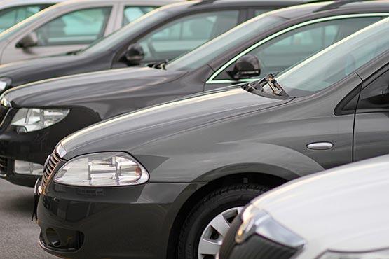 Število prvih registracij cestnih vozil v Sloveniji v 2020 za 23 % nižje kot v 2019