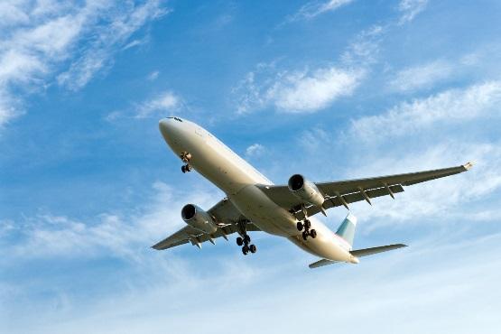 V juliju 2019 v pristaniškem in letališkem prometu več potnikov kot v juliju 2018