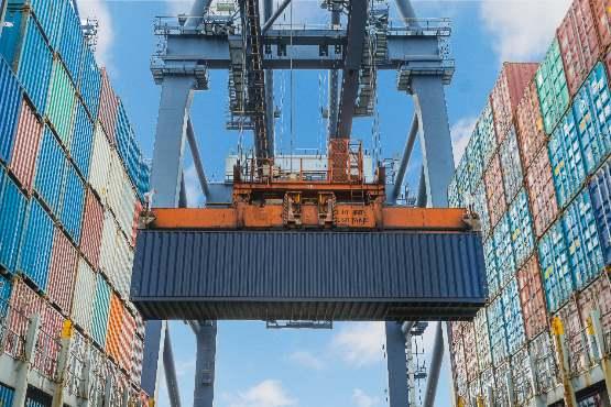 Izvoz in uvoz v maju 2019 višja kot v maju 2018