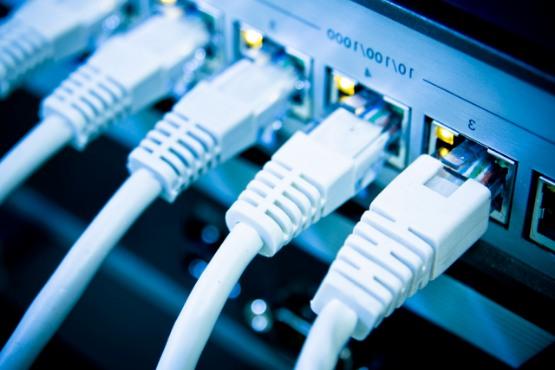 Razvitost digitalne družbe v Sloveniji – od infrastrukture do uporabe IKT