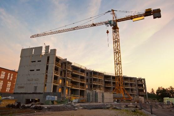 Vrednost opravljenih gradbenih del v juniju na mesečni ravni nižja