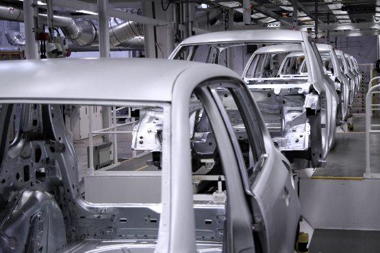 Vrednost industrijske proizvodnje v marcu 2018 glede na prejšnji mesec višja za 0,5 %