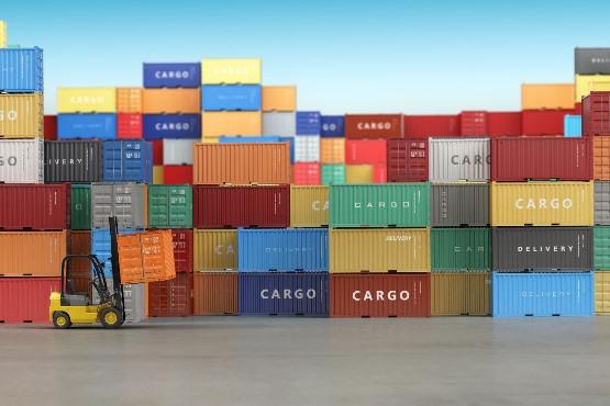Izvoz in uvoz v februarju 2018 višja kot v februarju 2017