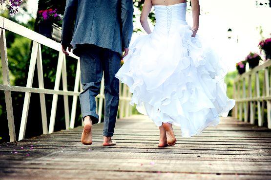 Manj porok in razvez ter več notranjih selitev zaradi ukrepov, povezanih s covid-19 v 2. četrtletju 2020
