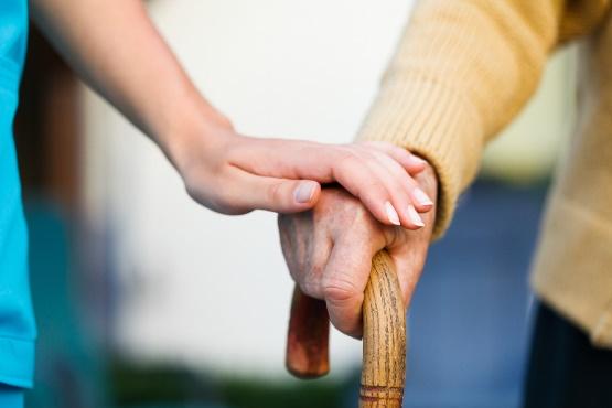 EUROPOP2019: leta 2100 naj bi bilo prebivalcev Slovenije 207.000 manj kot danes, skoraj tretjina starejših