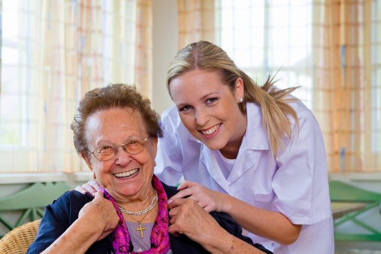 Čedalje več starejših (65+) ocenjuje svoje zdravstveno stanje kot dobro