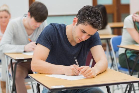 V šolskem letu 2020/21 vpisanih spet nekoliko več dijakov