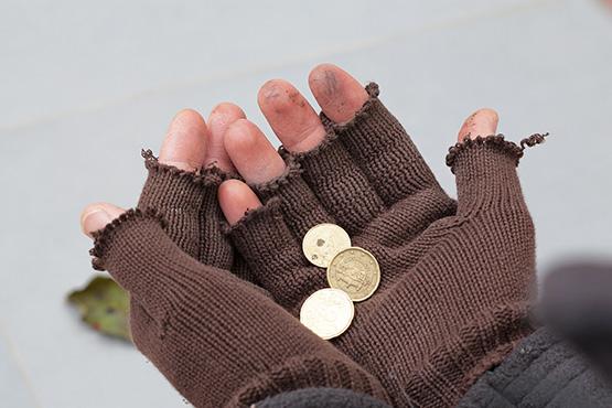 V Sloveniji pod pragom tveganja revščine vsak osmi, v celotni EU vsak šesti prebivalec