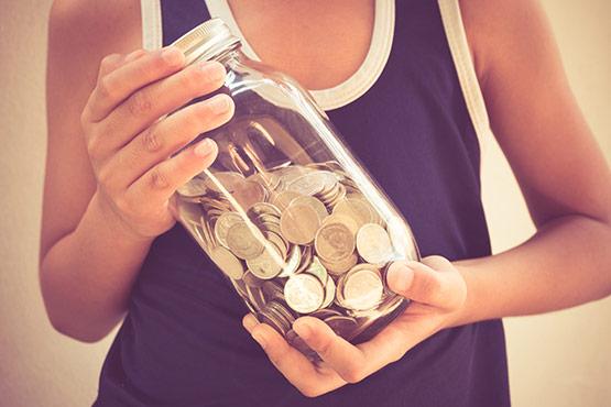 Stopnja bruto varčevanja gospodinjstev v Sloveniji v 2018 višja od povprečja v EU in od povprečja v evrskem območju