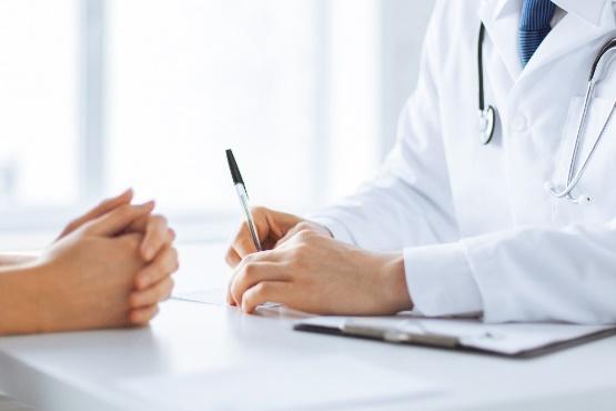 Število delovno aktivnih oseb v dejavnosti zdravstvo v juliju 2019 za skoraj 16 % višje kot pred petimi leti