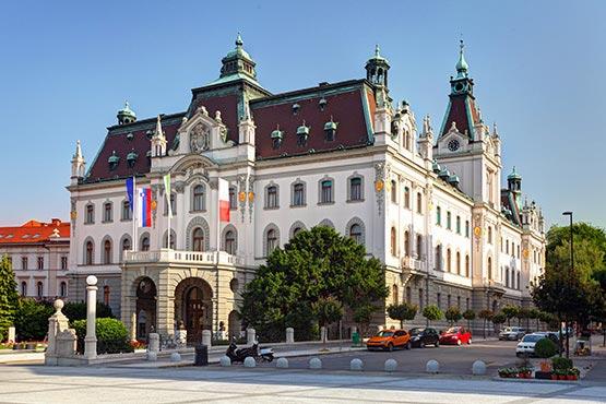 V osrednjeslovenski statistični regiji je študiralo 58 % vseh študentov