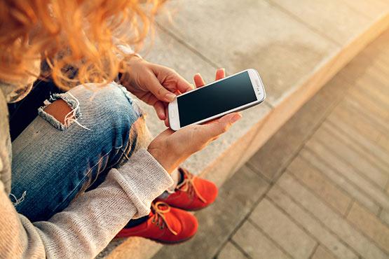 16–24-letniki in dan varne uporabe interneta