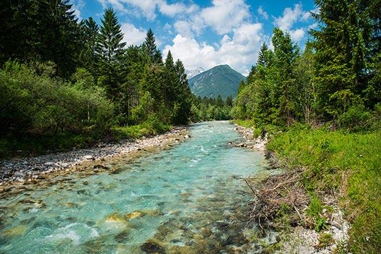 Največ turističnih ležišč v nastanitvenih objektih na voljo v gorenjski regiji